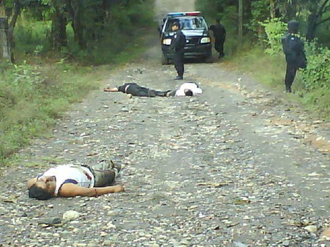 """SAN MIGUEL COPALA SUFRE LA PEOR MASACRE EN SU HISTORIA EL DIA 2 DE FEBRERO DEL 2010 ,ASI ACTUAN Y OPERAN LOS PARAMILITARES-SICARIOS DEL CRIMEN ORGANIZADO """"MOVIMIENTO DE UNIFICACION Y lUCHA TRIQUI""""MULT"""" PARA IMPONER A SU ORGANIZACION """"MULT"""" EN SAN MIGUEL COPALA,ACTUALMENTE CONTROLADO POR ESTOS DELINCUENTES ASESINOS, SOLO CON ASESINATOS Y ENGAÑOS SE APODERAN A LAS COMUNIDADES QUE PERTENCE A SAN JUAN COPALA DE UNA MANERA FORMAL"""